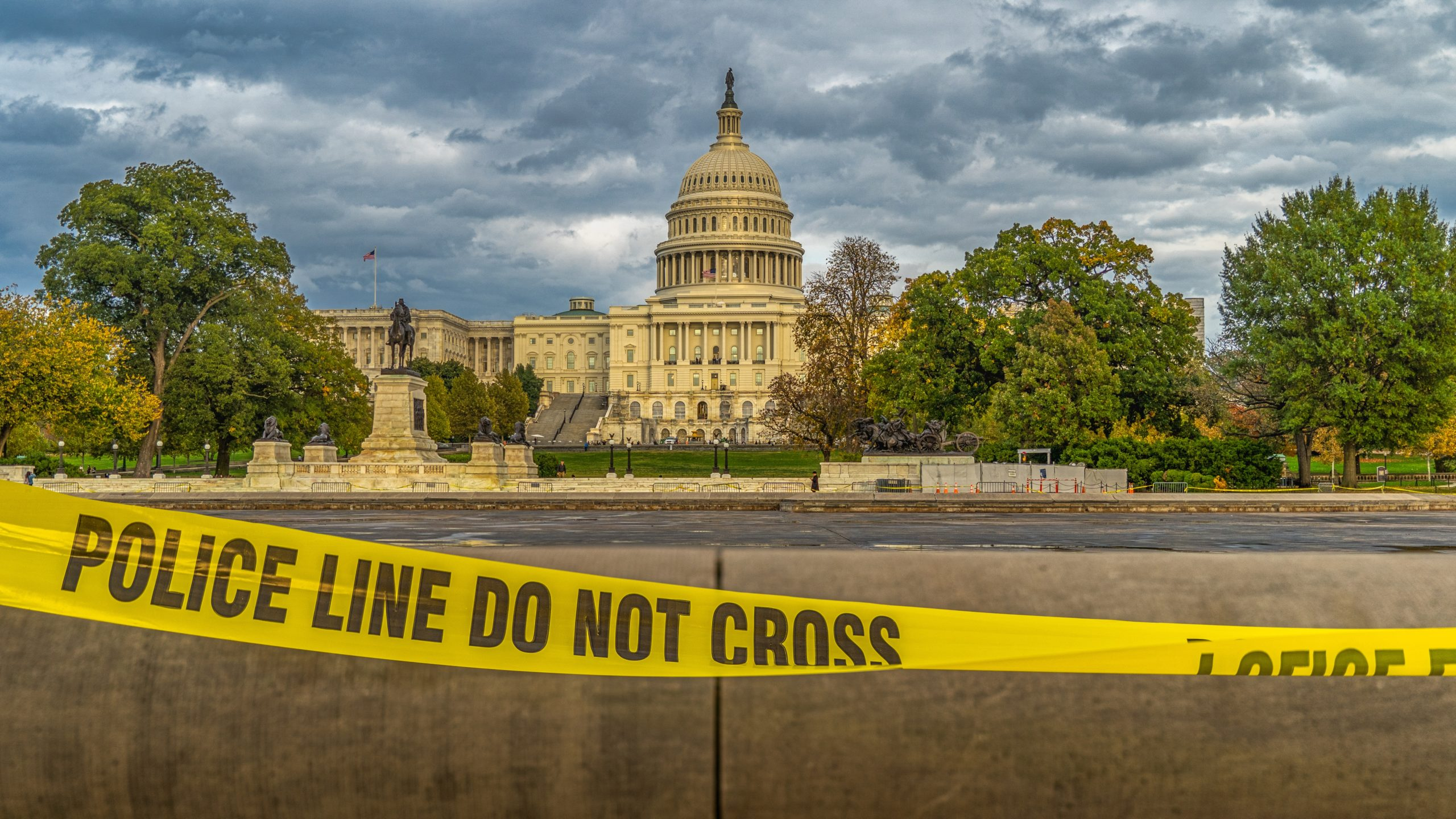 U.S. capitol building with police tape